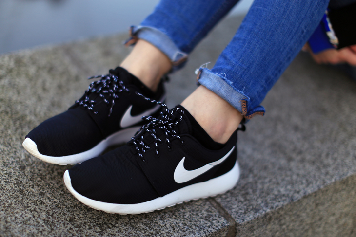 chaussure adidas femme nike